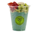 Protein chia with spirulina and fresh fruit