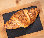 Croissant with ham and gouda