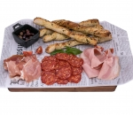Plateau with Italian sausages