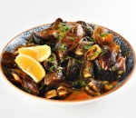 Spicy mussels with tomato sauce