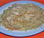 63. Fried rice noodles with chicken