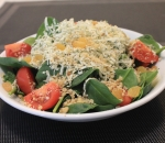 Baby spinach salad and blue cheese