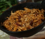 Pork pulled with cheddar and caramelized onions