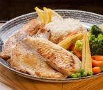 White fish with rice and stewed vegetables / fitness /