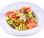 Salad with smoked salmon and einkorn