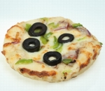 Pizzetti with sausage, chicken, olives, onions, fresh pepper, cheese, melted cheese and olive paste