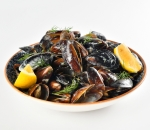 Mussels with cream and white wine