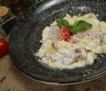 Tortellini with pork and cheese