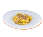 Tagliatelle pasta with fresh mushrooms and parsley